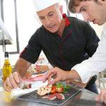 Enseñando sobre trucos de cocina