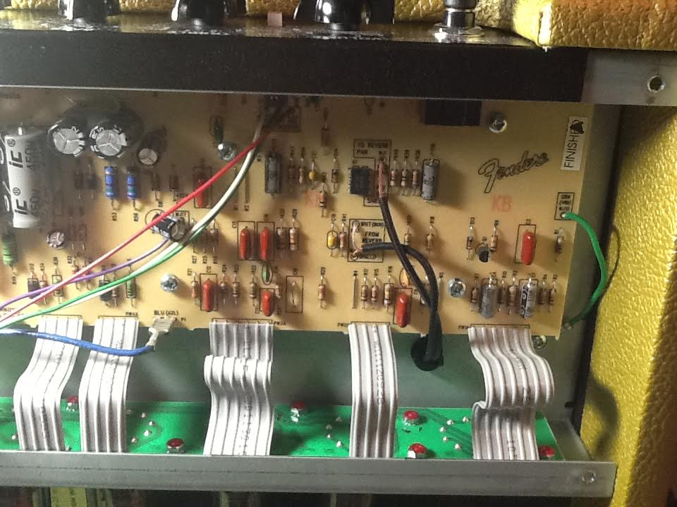 Eliminate background noise of a guitar amplifier
