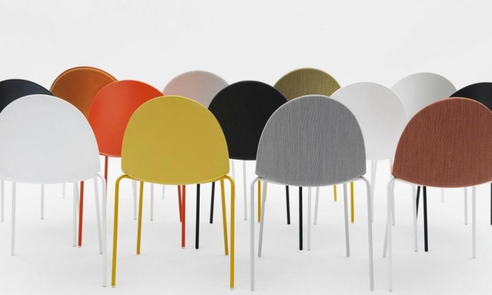 Sedie di design in legno per soggiorno con seduta in legno o imbottita, sedie con bracciolo, sedie in legno pieghevoli adatte per l'interno che per. Sedie Di Design Per Il Living La Stampa