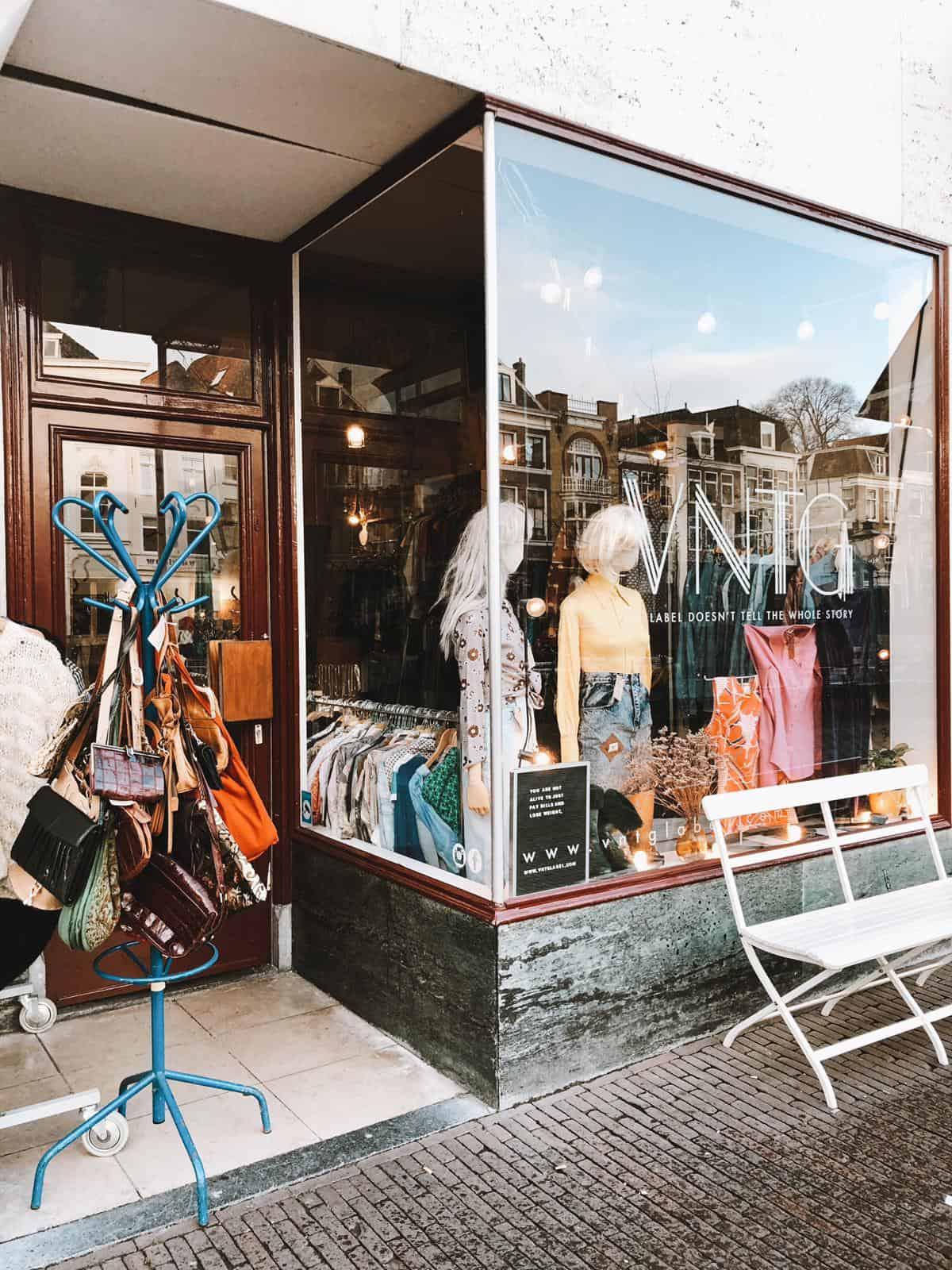 Roos in Leiden