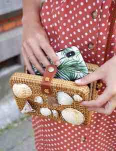 DIY: rieten tasje met schelpen