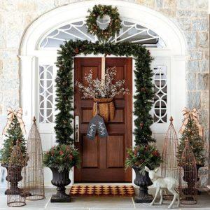 Visualizza altre idee su decorazioni, porte decorate, porta aula natale. Come Decorare La Porta D Ingresso Per Natale La Stilosa