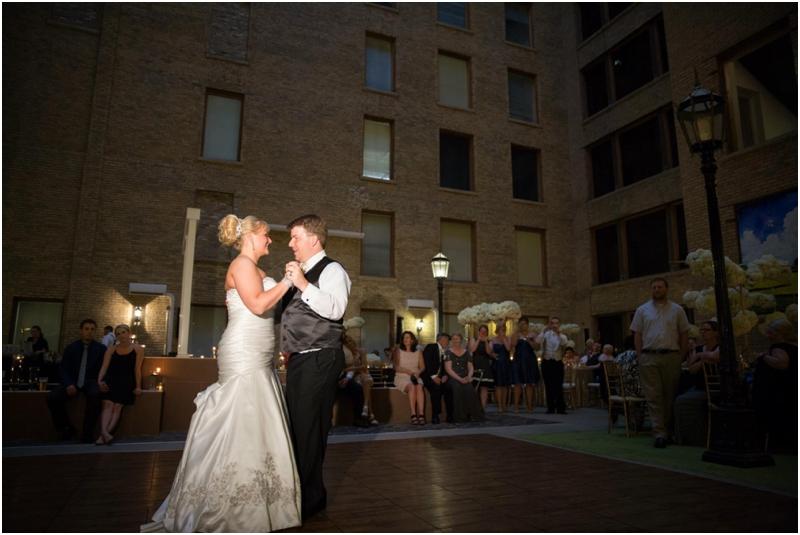 Minneapolis_Wedding_0518.jpg