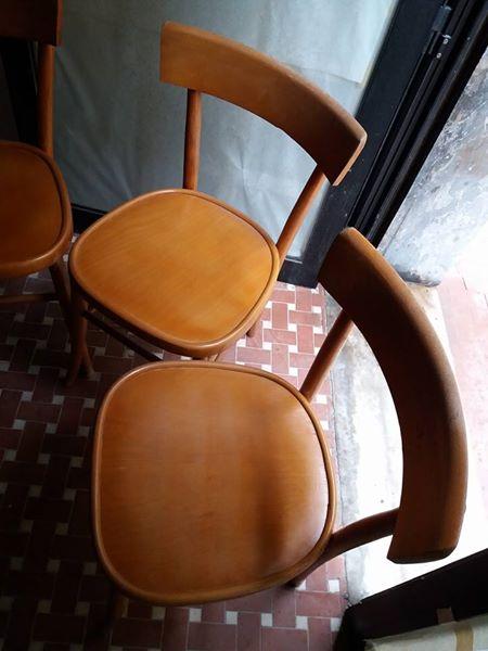 Il tavolo modello anni 60s è un pratico tavolo pieghevole realizzato completamente in legno di faggio. 4 Sedie Anni 60 In Legno Lastminuteaffari It