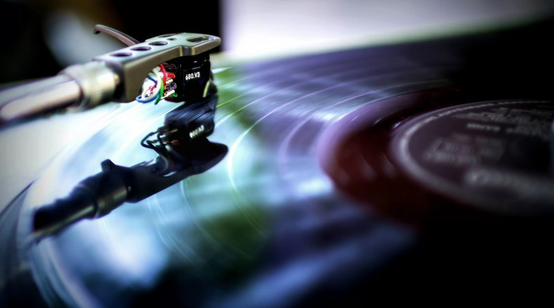 How To Properly Maintain Your Vinyl