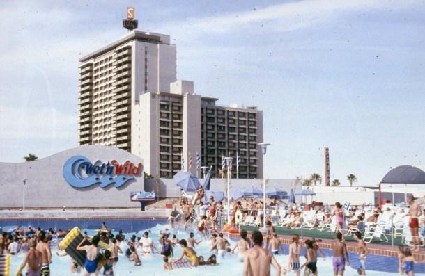 Wet-n-Wild-waterpark-Las-Vegas-1990-3