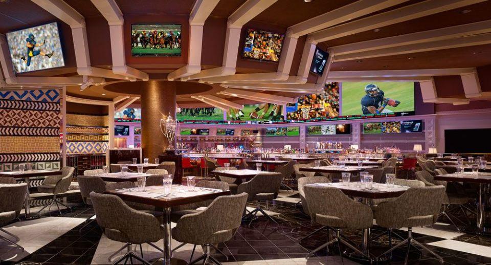 Wynn Las Vegas Charlie's Bar & Grill Restaurant