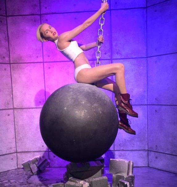 Madame Tussauds Las Vegas Miley Cyrus Wrecking Ball