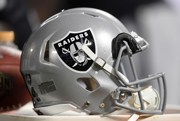 Raiders_helmet_getty_1552666340113.jpg