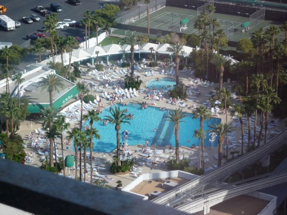 ballys piscine 1