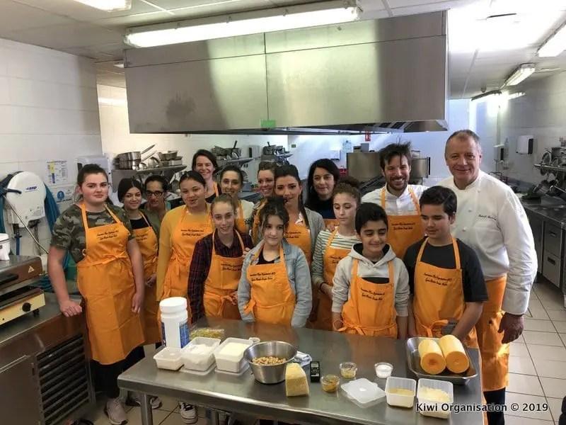 Atelier culinaire organisé par l'association Kiwi avec les Chefs Patrick Henriroux et Grégory Cuilleron