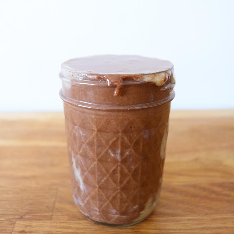 A vous de réaliser la recette de la pâte à tartiner maison, vegan, rapide et facile à faire !