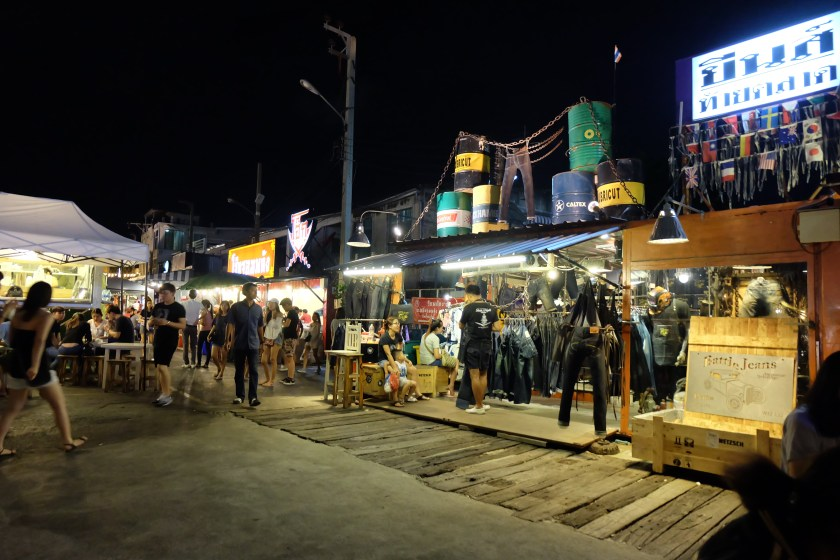 Rot Fai Night Market