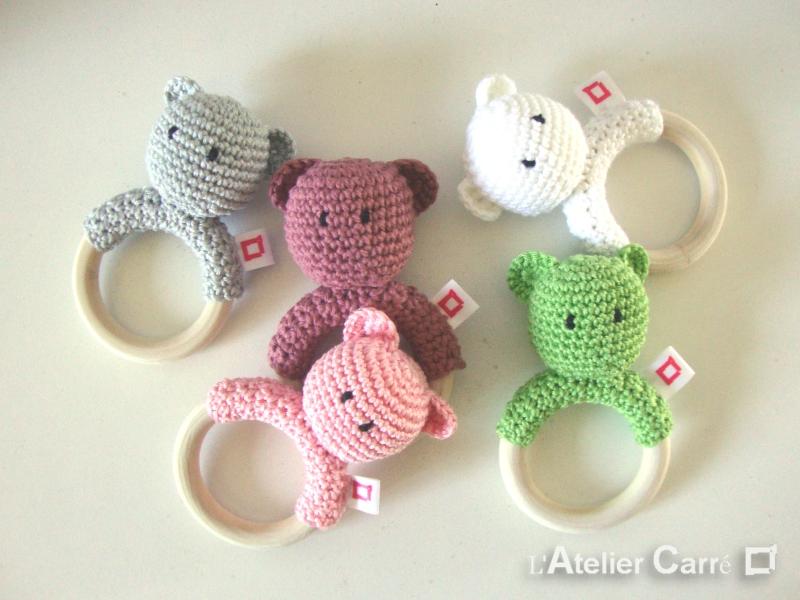 hochet bois et crochet anneau de dentition ourson personnalisable