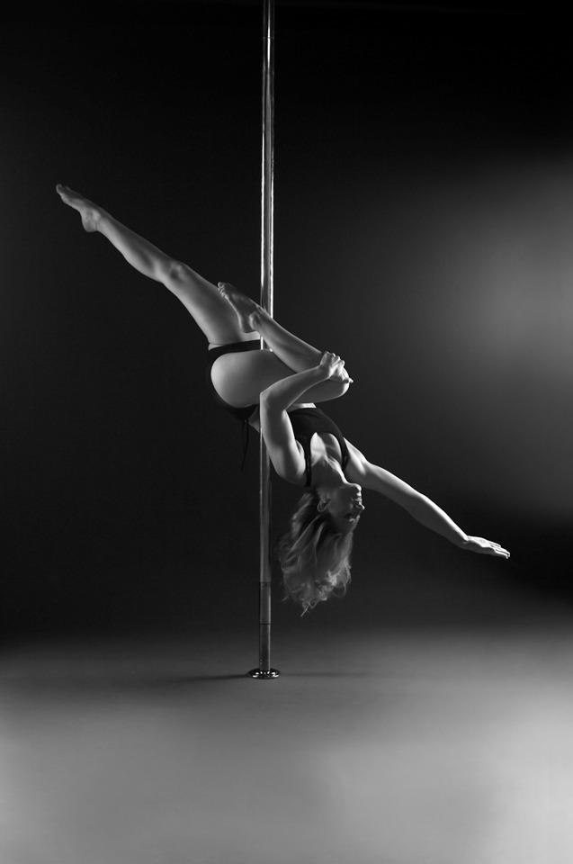 POLE DANCE MovesTricks  Hip Hold Passes Poledance