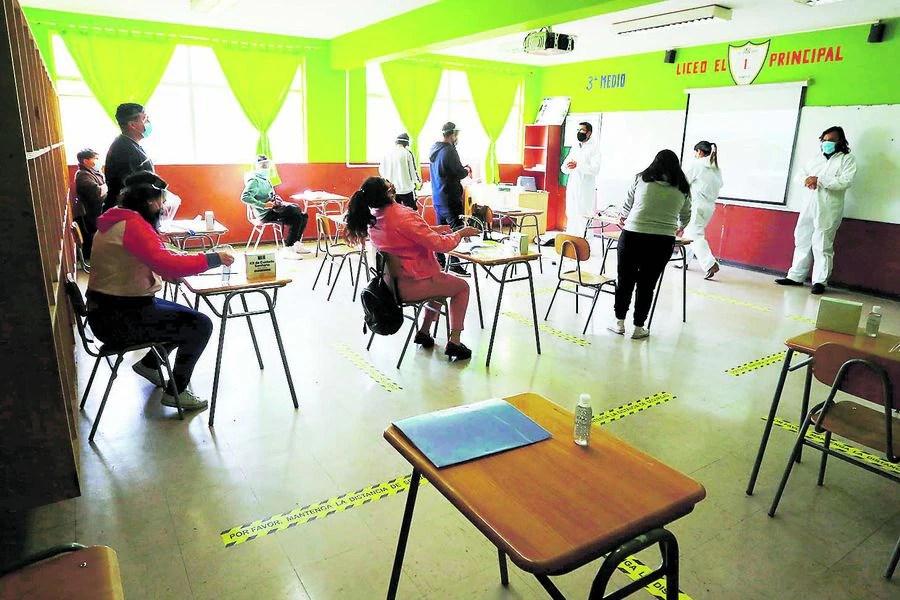 Gremio docente pide fiscalizar despidos en colegios que reciben subvención - La Tercera