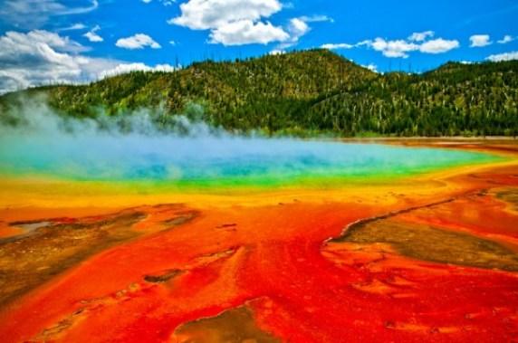 yellowstone-geyser-shutterstock
