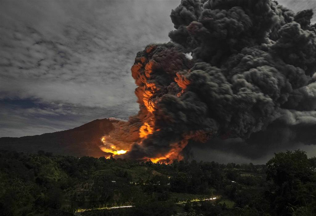 sinabung-volcan