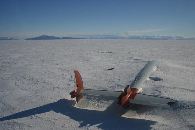 avion-neige-abandonne