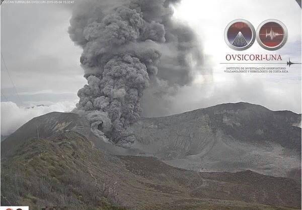 volcan-Turrialba-1