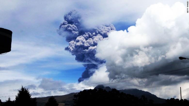 volcano-ecuador-cotopaxi