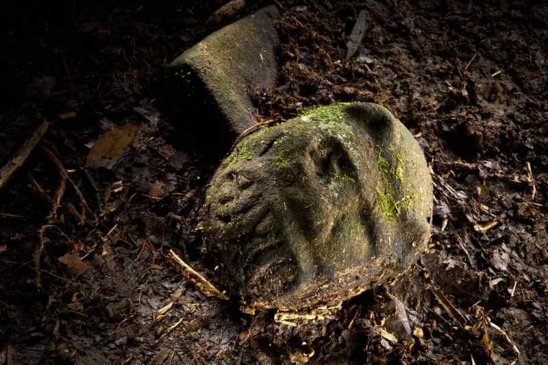 Jade datant dans le Royaume-Uni sombre