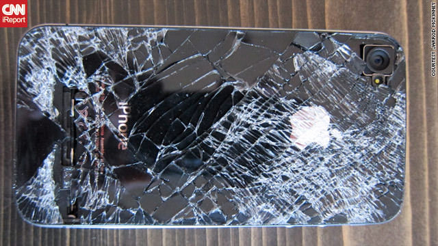 iPhone 4 survives fall from over 13,000 feet