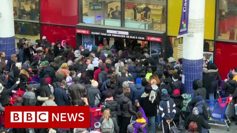 Coronavirus: Europe shuts down its borders – BBC News