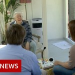 Coronavirus: Dutch care dwelling reunites households in a glass pod – BBC Information