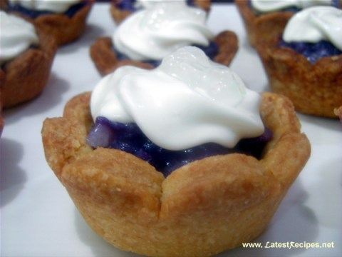 purple_yam_macapuno_mini_pies_ube