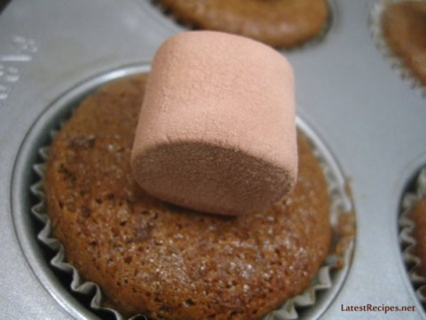 milo-cupcakes_melted_marshmallow_frosting_4