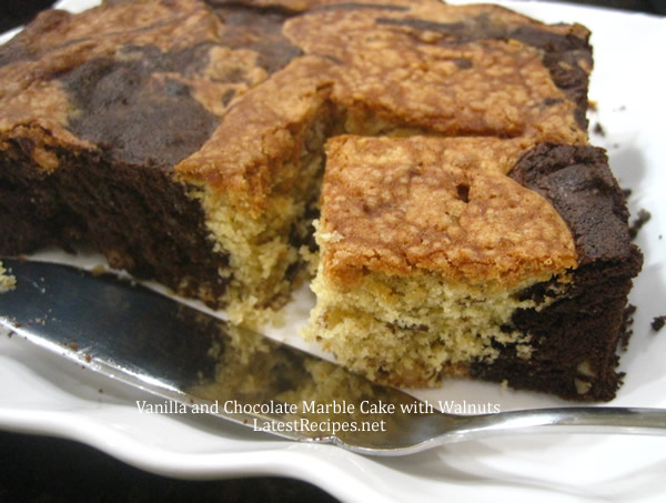 Vanilla and Chocolate Marble Cake with Walnuts