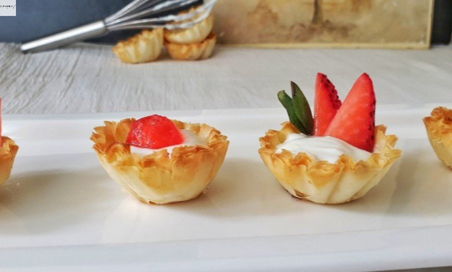 """A plate of Phyllo Dessert cups."""