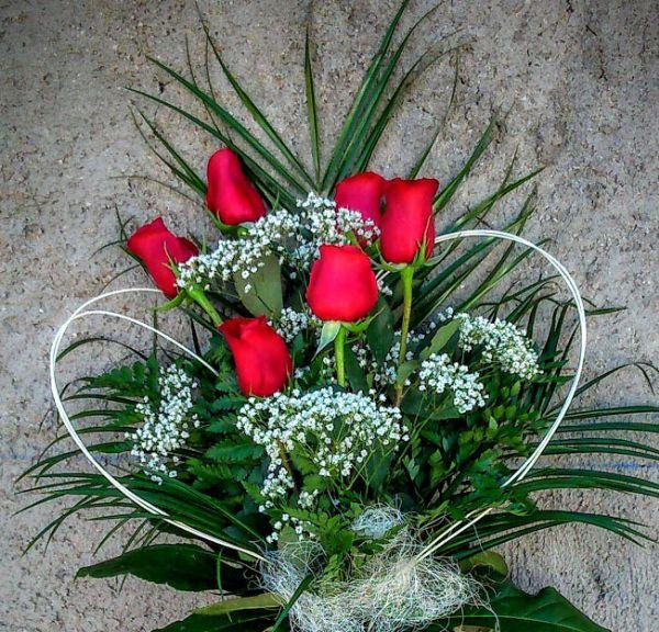 Docena rosas rojas con paniculata Envo a domicilio Hoy