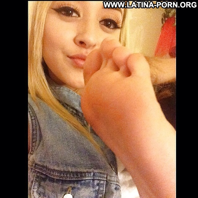 Sharise Private Pictures Feet Hot Latina Amateur Showing Pussy Doll