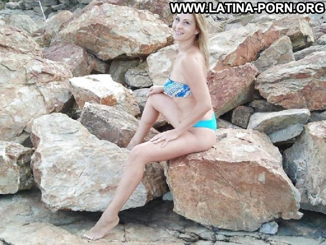 Caitlyn Private Pictures Hot Latina Beach Italian Homemade Posing Hot
