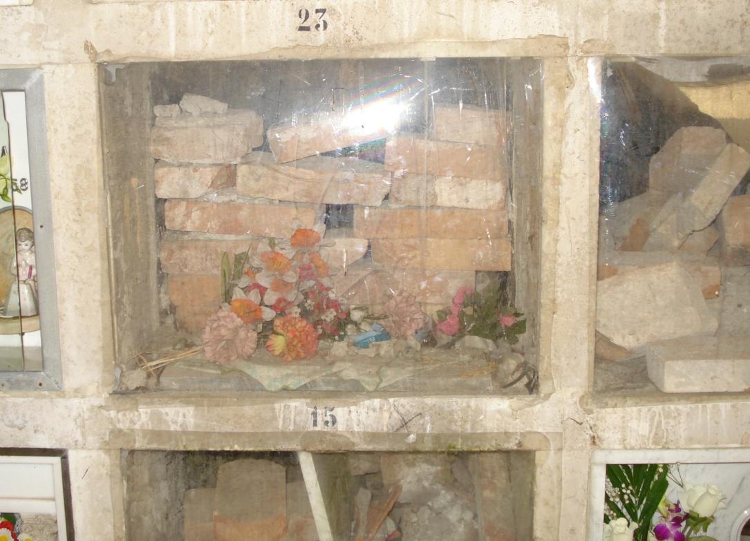 cimitero-latina-ipogeo-tombe-lapidi-3786d765ww