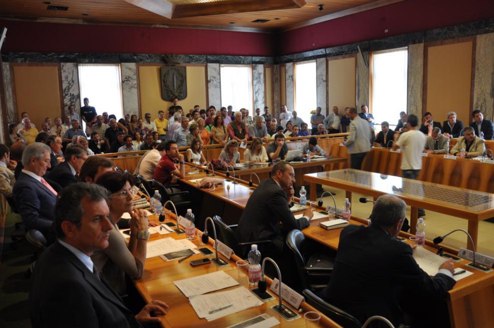 consiglio-comunale-latina-eyuge65ww