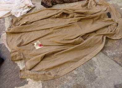 cadavere-sabaudia-camicia
