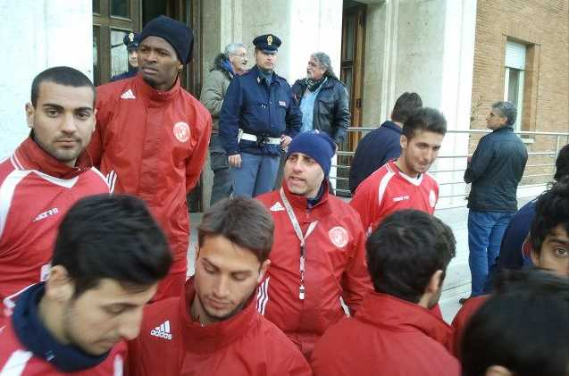 gaeta-calcio-protesta-comune-46628765