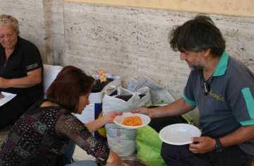 senzatetto-latina-comune-dormitorio-99467521