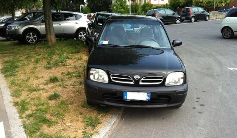 parcheggio-selvaggio-auto