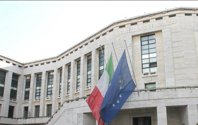 guardia-di-finanza-palazzo-m-latina-24ore-002311