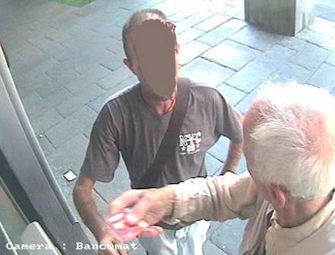 bancomat-anziano-generica-latina-24ore