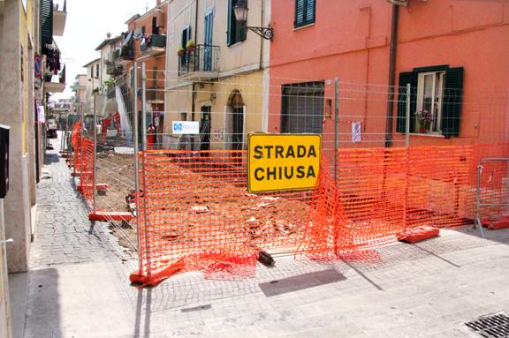 PLUS - lavori pista ciclabile centro storico - via Garibaldi_sml