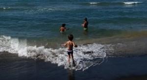 mare-lido-latina-24ore-capoportiere-bambini