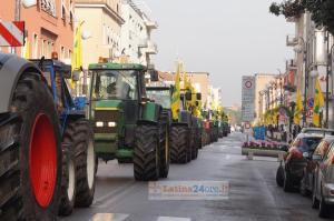 trattori-piazza-coldiretti-latina