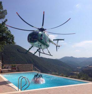 elicottero-forestale-acqua-piscina-incendi