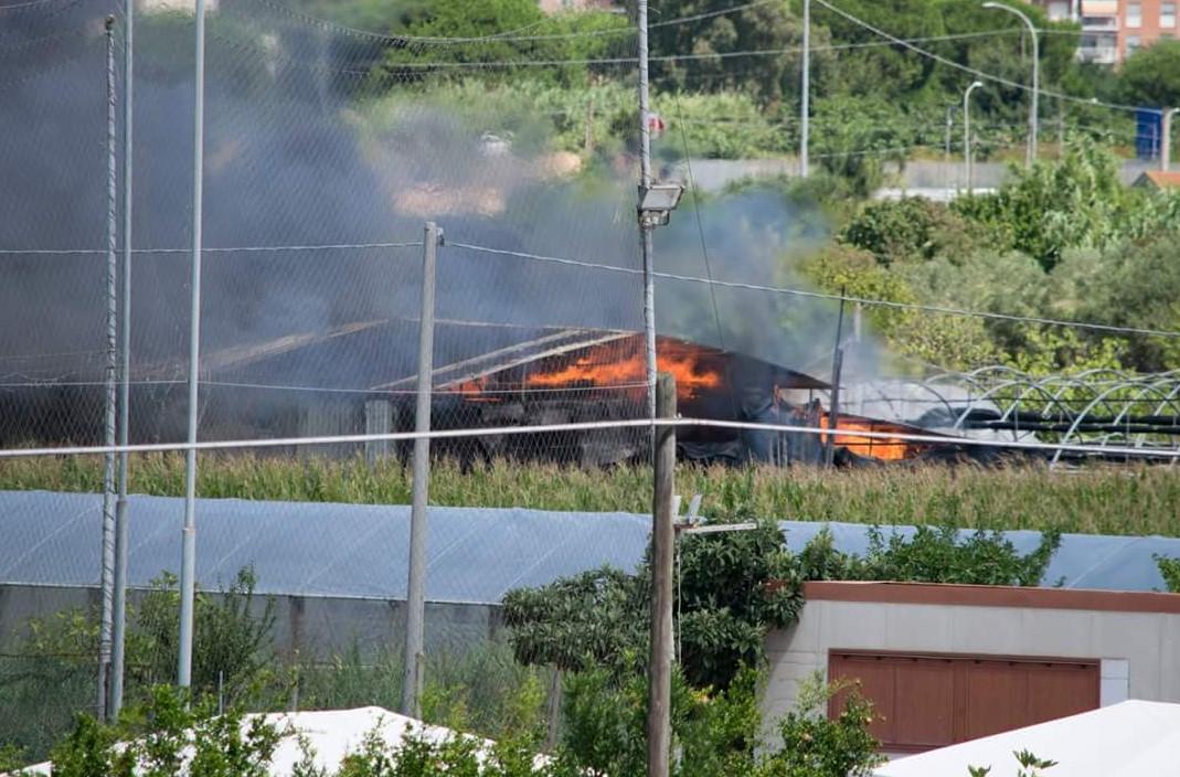 capannone-incendio-mortacino-terracina