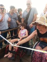 inaugurazione-passerella-disabili-M5S-latina-lido-2015-1